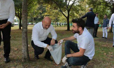 Başkan Karaduman gençlerle çevre temizliği yaptı