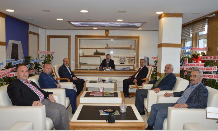 Eğitimcilerden Özdemir'e ziyaret