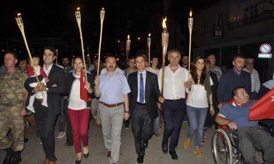 Ayvacık'ta Demokrasi için Meşale Yürüyüşü