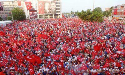 """Samsun'da Toplanan Binlerce Vatandaş """"demokrasi nöbeti""""ni Sürdürüyor"""