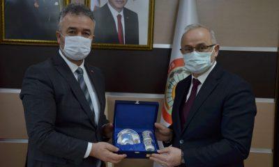 Rektör Ünal'dan 19 Mayıs İlçesi Belediye Başkanına İadei ziyaret