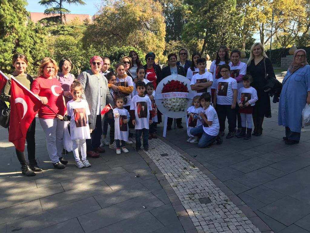 MHP'li Kadınlardan Anlamlı Cumhuriyet Bayramı Etkinliği