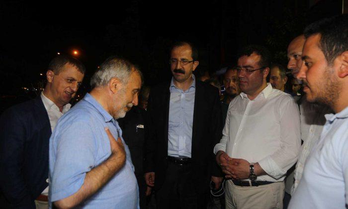 Atakum'da Demokrasi Nöbeti Sürüyor