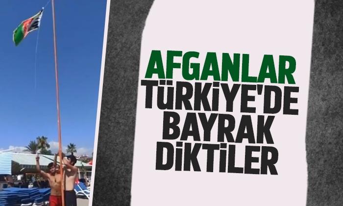 Afganlar, Türkiye'de bayrak diktiler