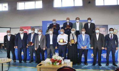 AK Parti Asarcık'ta İlhan Gonca, Kavak'ta Onur Bakır ile Devam Dedi