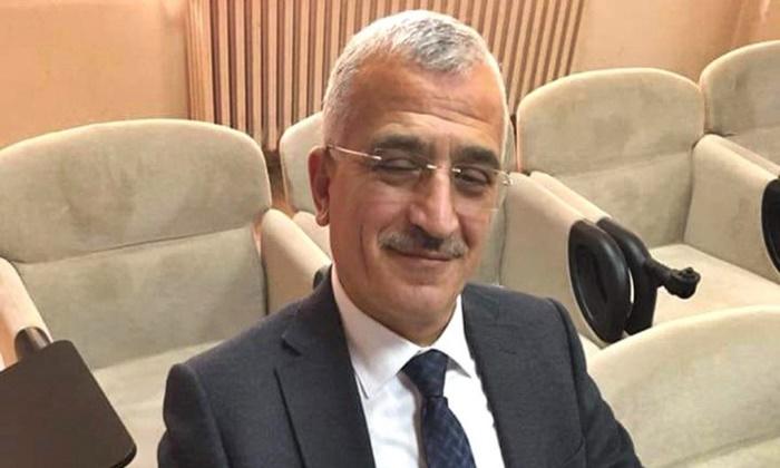 AK Parti, Atatürk ve MHP'ye hakaret eden Uzunlar'ı ihraç etti