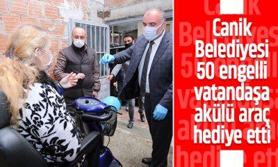 Canik Belediyesi 50 engelli vatandaşa akülü araç hediye etti