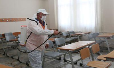 Atakum Belediyesi'nden YKS öncesi okullarda dezenfeksiyon işlemi