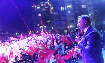 Atakum Belediyesi 29 Ekim Cumhuriyet Bayramı'nı Kentin Dört Bir Yanında Kutladı