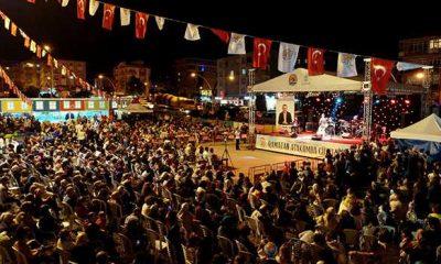 Atakum iftar sokağında Karadeniz müziği