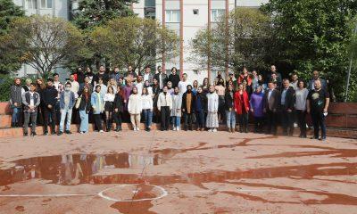 Başkan Deveci üniversiteli gençlerle buluştu