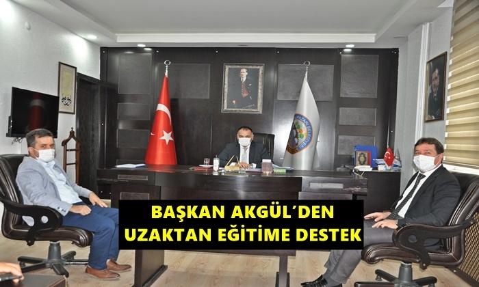 Başkan Akgül'den Öğrencilere Bilgisayar, Tablet Desteği