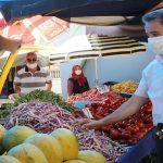 Başkan Cemil Deveci pazarda  esnaf ve yurttaşla buluştu