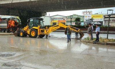 Canik Belediyesi selin izlerini silmeye çalışıyor