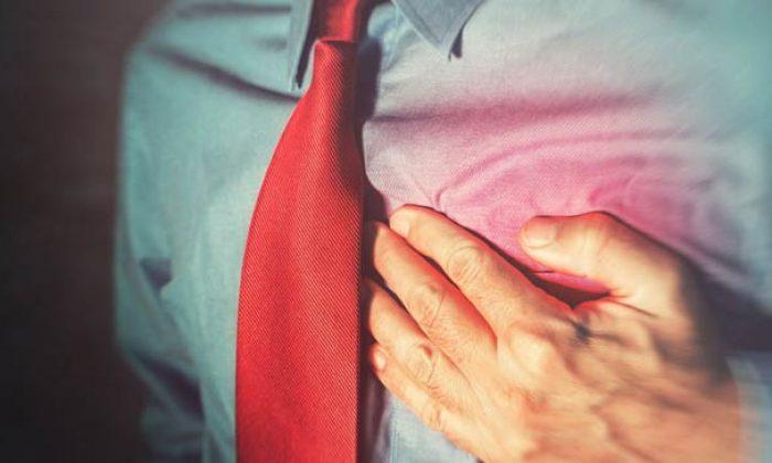 Göğüs ağrım var kalp krizi mi geçiriyorum?
