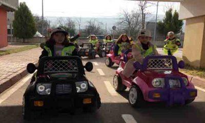 Trafik kurallarını bugünden öğreniyorlar
