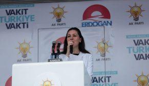 Karaaslan Cumhurbaşkanı Erdoğan'ın katıldığı mitingte vatandaşlara hitap etti