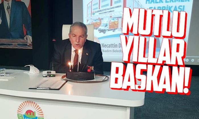 İlkadım personeli Başkan Demirtaş'ın doğum gününü kutladı