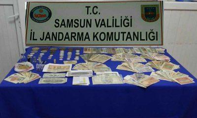 Samsun'da 1 milyon dolarlık banknot ele geçirildi