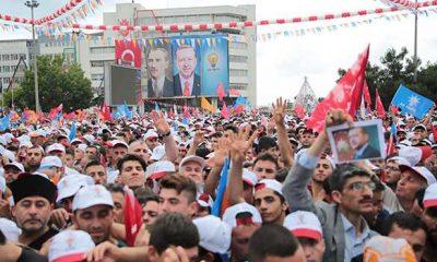 150 bin kişi Cumhuriyet Meydanı'nda