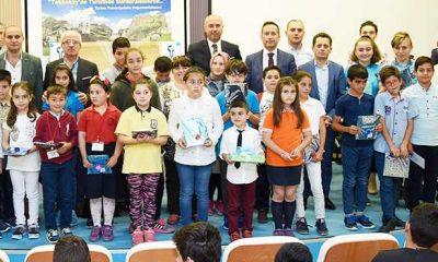 Tekkeköy'de dereceye giren öğrenciler ödüllerini aldı