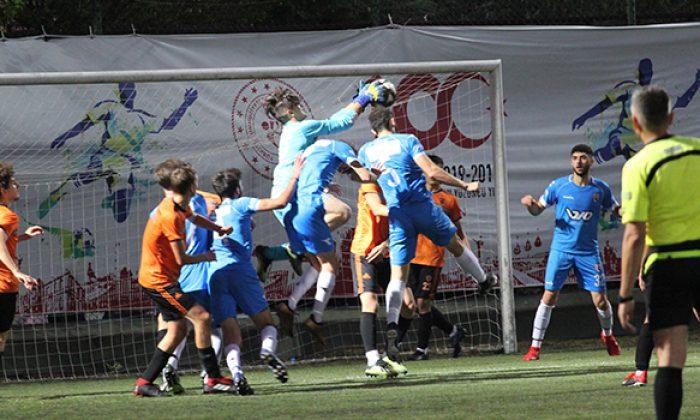 Atakum U-19 sezonun ilk kupasını kazandı