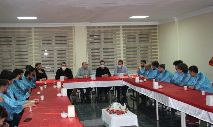 Öngel ve yönetim kurulundan Atakum Belediyespor kampına ziyaret