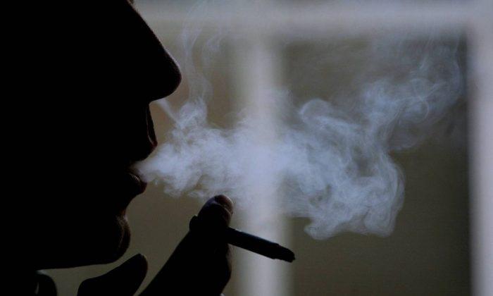 Baba adaylarına sigara uyarısı!