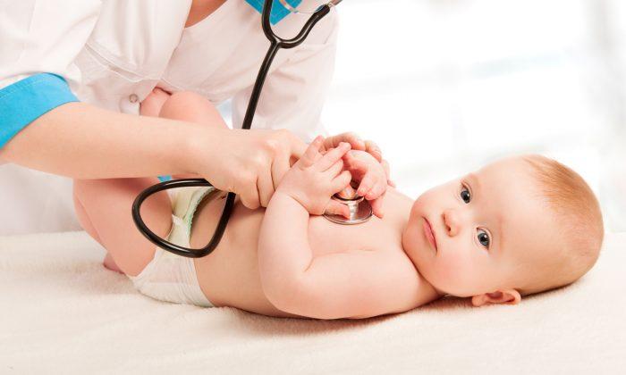 Bebeğiniz kulağını çekiştiriyorsa diş çıkartıyor olabilir!