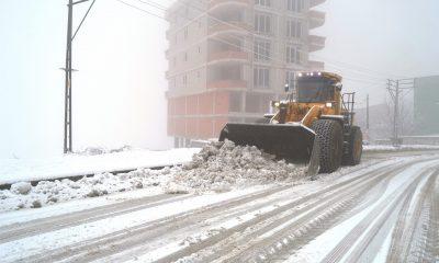 Canik'te karla mücadele tüm hızıyla sürüyor