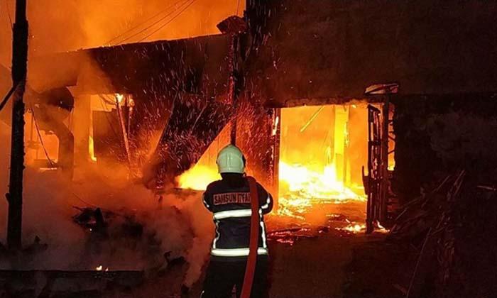"""Samsun Büyükşehir Belediyesi İtfaiye Daire Başkanlığı paylaştı ,4 ayda 1150 """"imdat"""" çağrısına yetişildi"""