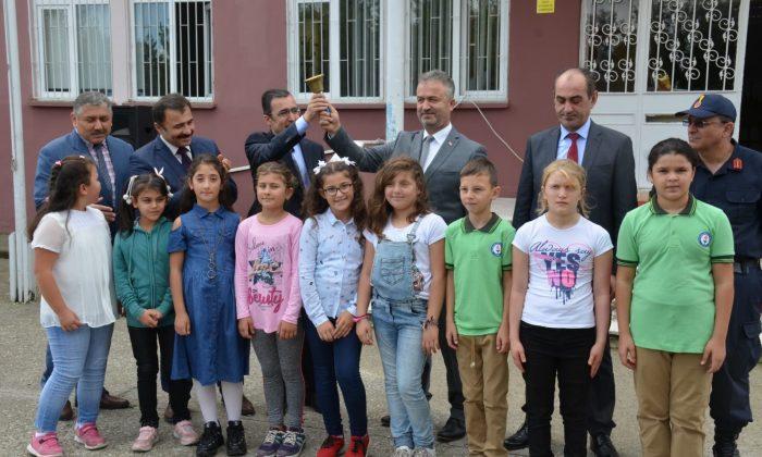 19 Mayıs'ta İlk Ders Zilini Kaymakam Güner ve Başkan Topaloğlu çaldı