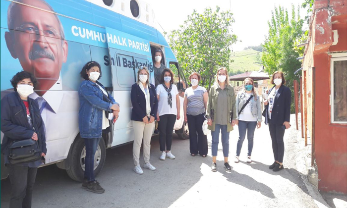 Samsun'da CHP'li Kadınlardan Annelere Ziyaret