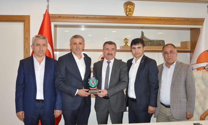 Gazi ve Şehit Ailelerinden Başkan Özdemir'e ziyaret
