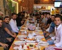 Yeni Başkanı İlker Fatih Kural futbolcularla kahvaltıda buluştu