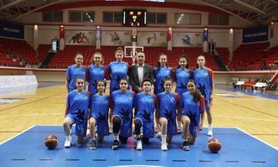 İlkadım U18 Bayan Basketbolcuları 3'lük basketlerle farkla skora gitti