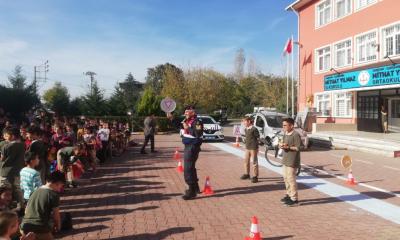 """Jandarmadan """"Yaya Trafik Eğitim Parkuru"""" uygulaması"""