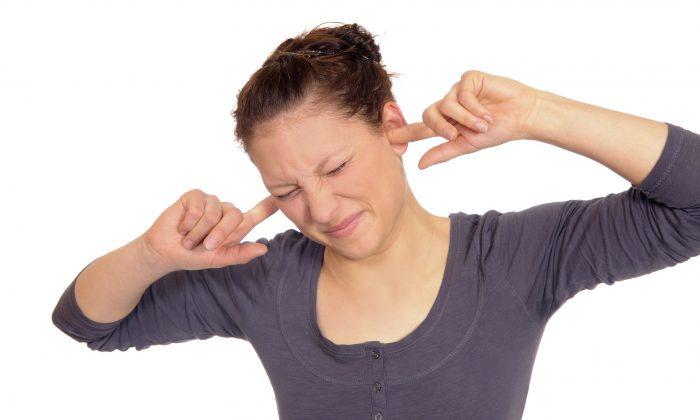 Kepçe kulağın psikolojik etkisinden kurtulabilirsiniz!