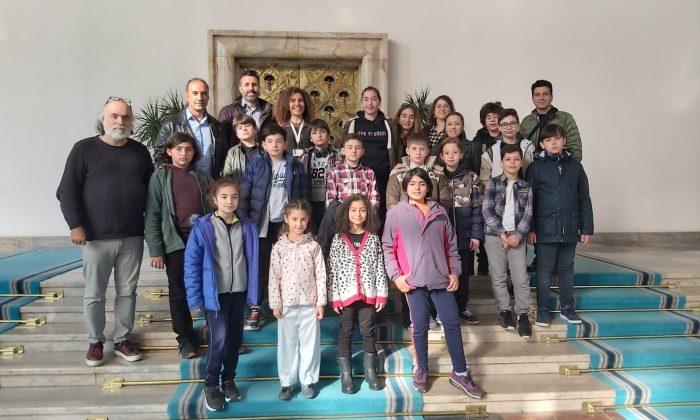 Milletvekili Yaşar Dünya Çocuk Hakları Günü'nde Samsunlu çocukları misafir etti