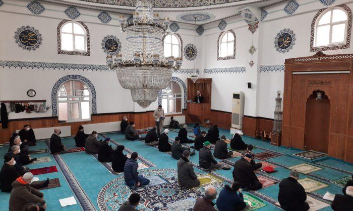 Gaziosmanpaşa Merkez Camii'nde 'İbadetlerin İnsan Sağlığı Üzerindeki Etkileri' Programı