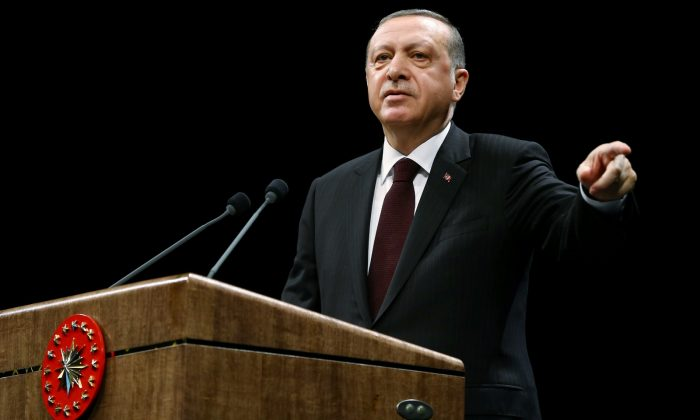Erdoğan: Uymayanlar kusura bakmasın istirahate alırız