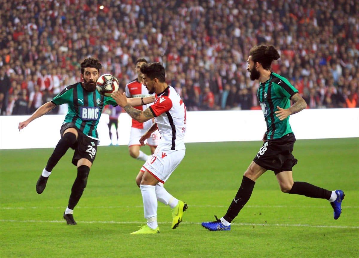Samsunspor Sakaryaspor maç sonucu: 0-0