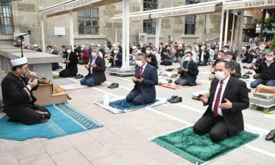 Samsun'da 74 gün sonra ilk Cuma namazı