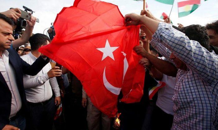 Paris ve Erbil'de skandal görüntüler! Terör örgütü yandaşları bayrağımızı yaktı!