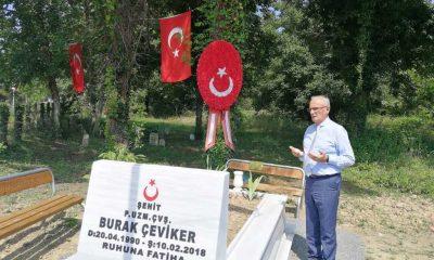 Yılmaz Şehit Burak Çeviker'i mezarı başında dualarla andı