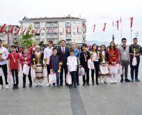 Yakakent'te19 Mayıs Atatürk'ü Anma, Gençlik ve Spor Bayramı coşkuyla kutlandı