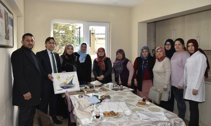 Başkan Kıyma El sanatları kursu'nu ziyaret etti