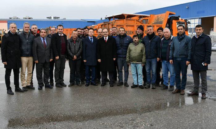 Başkan Zihni Şahin'den personele önce teşekkür, sonra uyarı