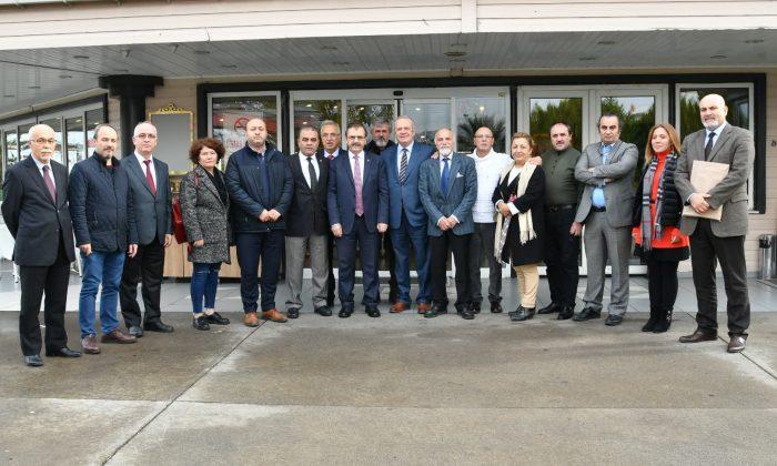 Başkan Zihni Şahin, kültür ve sanat insanlarıyla bir arada